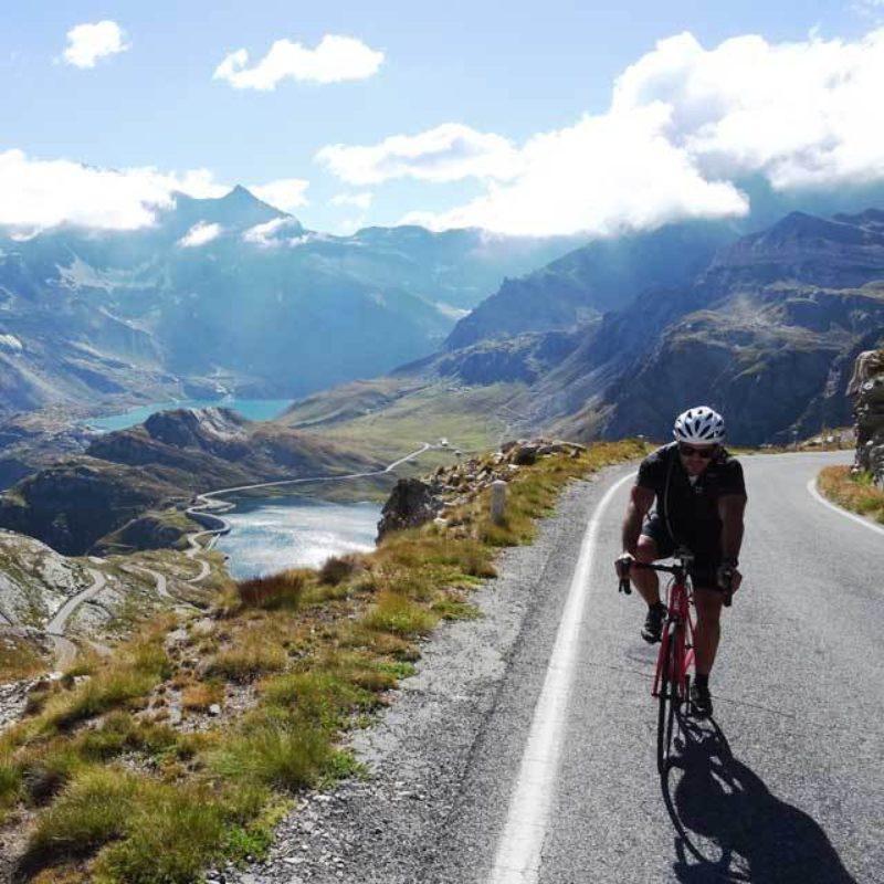 Odkrywcy Taurus przemierzyli legendarne alpejskie trasy Włoch i Francji