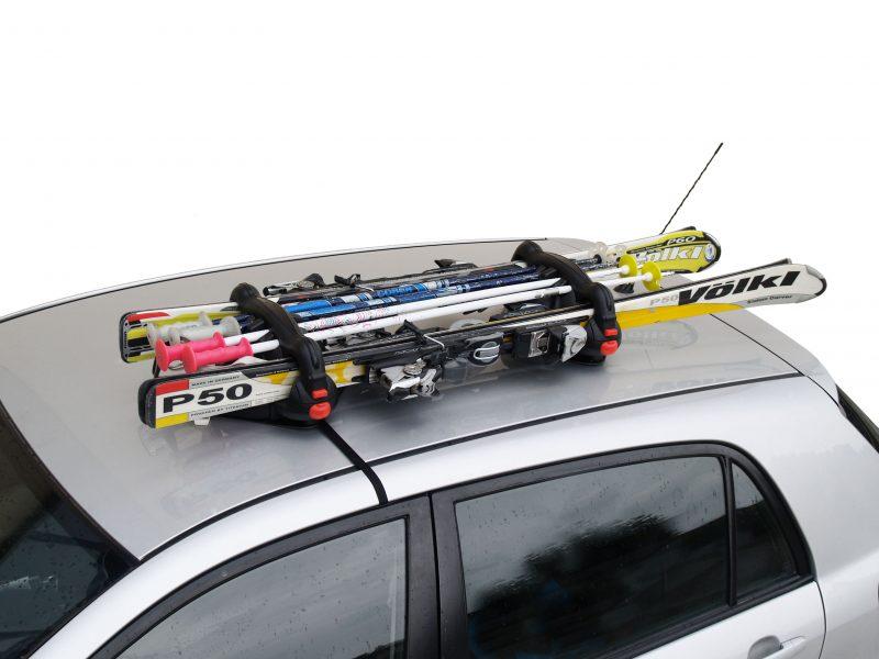 Sposoby przewozu sprzętu narciarskiego