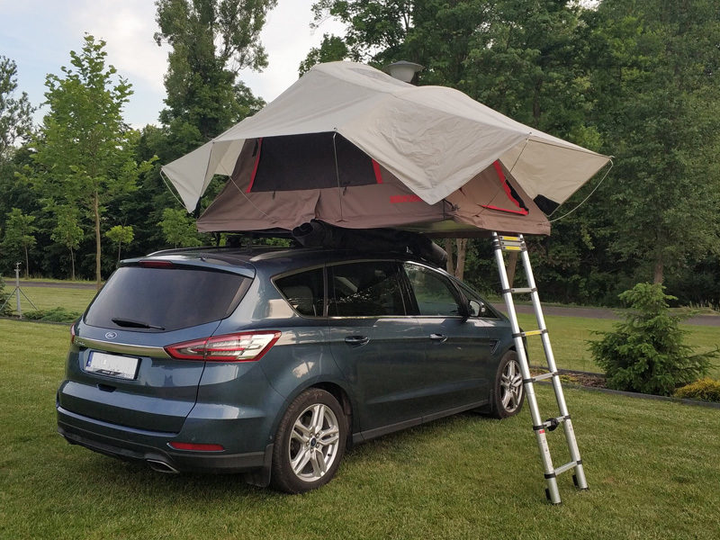 Namiot dachowy Yakima SkyRise w Wypożyczalni Taurus. Przeczytaj relację z podniebnego kempingu.
